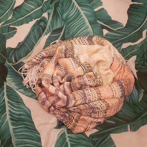 Multi pattern scarf